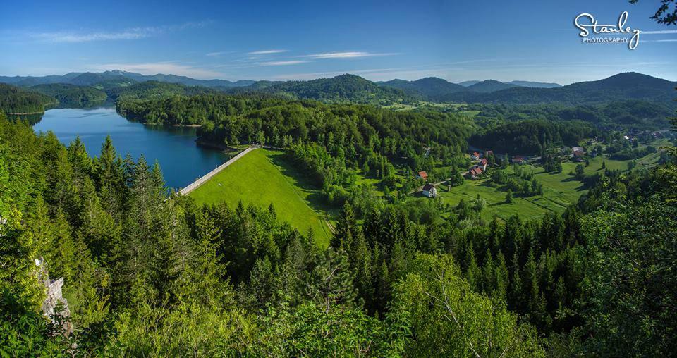 Il lago e il paese di Lokve