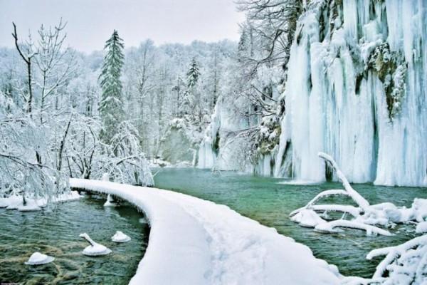 laghi di Plitvice in inverno