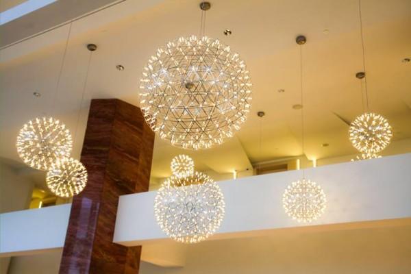 Hotel Bellevue soffitti e lampadari