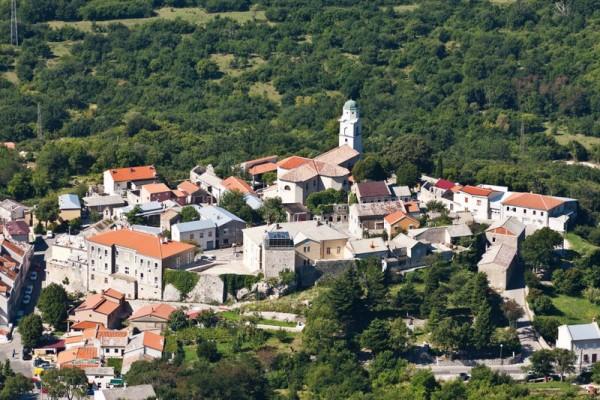 paese e cittadella di Bribir vicino a Crikvenica