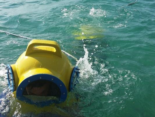utilizzo degli elmetti nel Parco Sottomarino dei Pirati a Punat