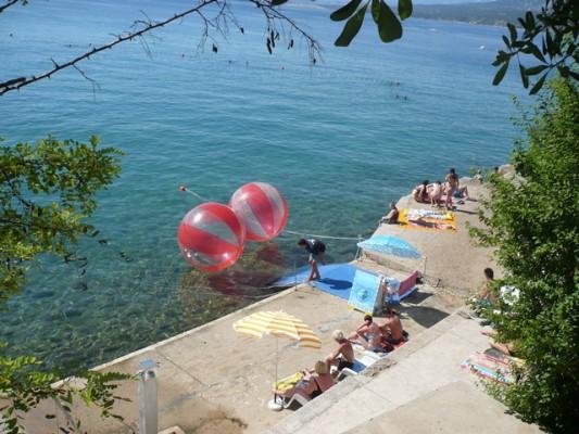 Silo sull'isola di Krk la spiaggia