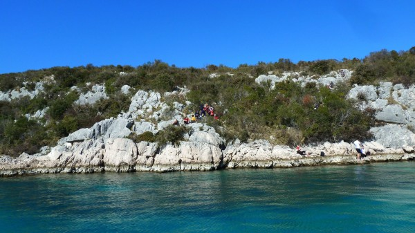 Skraping a Tkon sull'isola Pasman