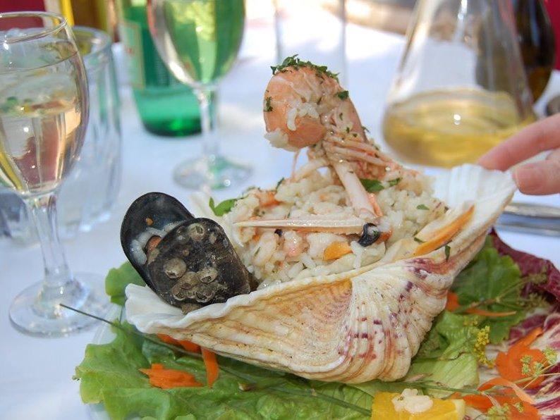 pranzo sull'isola Proizd davanti a Korcula