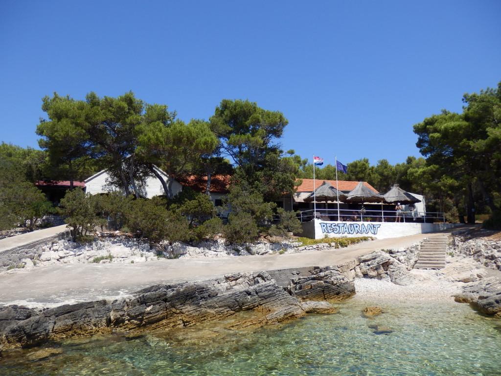 il ristorante sul molo dell'isola Proizd