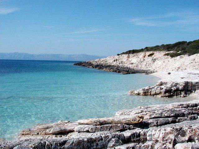 isola Proizd davanti a Vela Luka