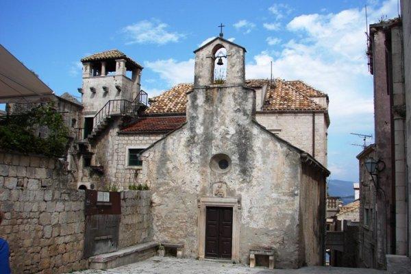 Korcula chiesa di San Pietro nella città vecchia