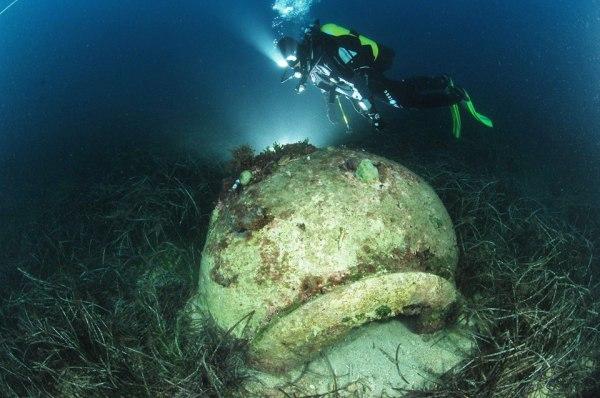 antica anfora sul fondale dell'Adriatico Croato