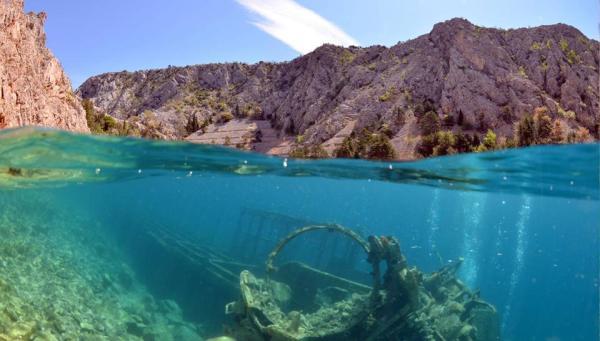 Relitto LF 126 affondato nella baia Zavratnica vicino a Senj
