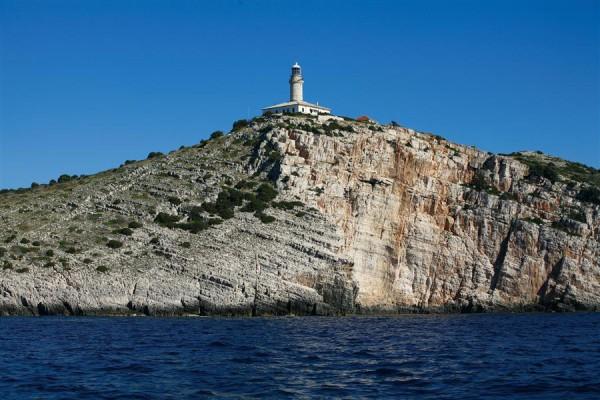 isola di Lastovo con faro