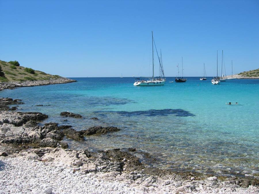 spiaggia Lojena isola Levranka