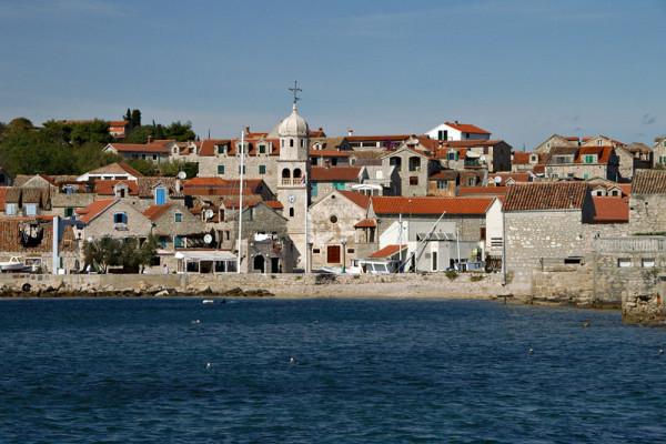 isola e porto di Prvic