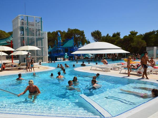 piscine e divertimento a Lussino