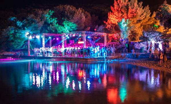 Disco Club Barbarella's a Tisno isola Murter