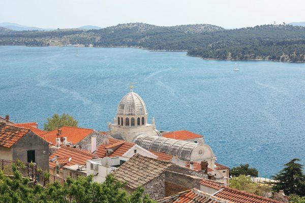 città di Sibenik in Dalmazia e cattedrale di San Giacomo