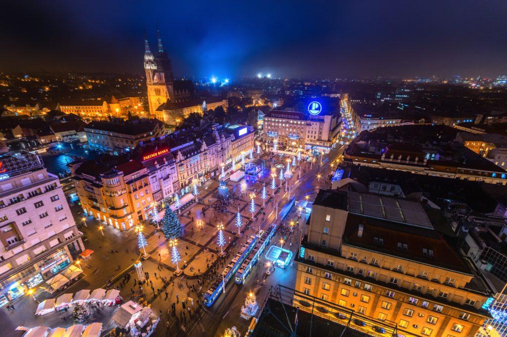 colori e luci dell'Avvento a Zagabria