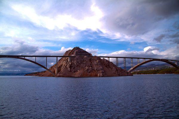 isola Krk collegata da un ponte alla terraferma