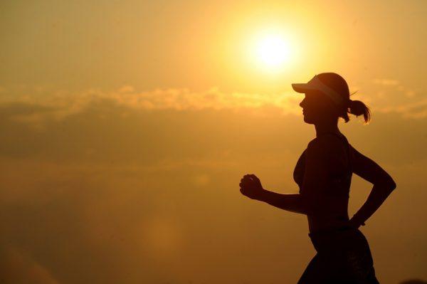 corsa al tramonto
