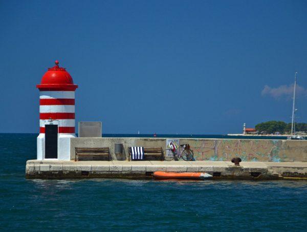 Zara il molo di ingresso al porto