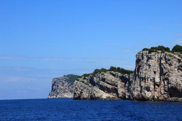 le scogliere di Dugi Otok arcipelago Zaratino